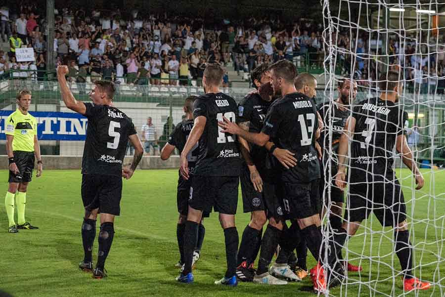 Prediction Venezia vs Lecce - 12/2/2019 Football Betting Tips3