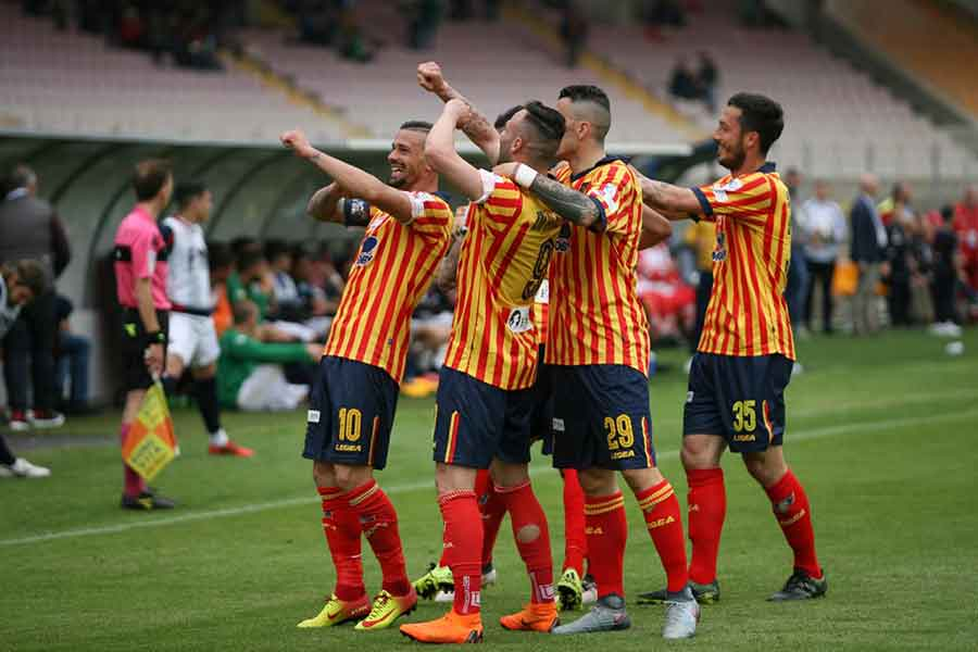 Prediction Venezia vs Lecce - 12/2/2019 Football Betting Tips2